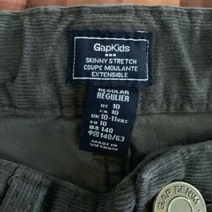 👖Grey Corduroy pants from Gap Kids.👖